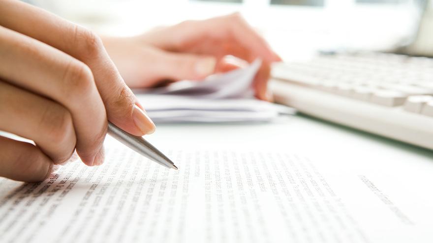 writing financial reports